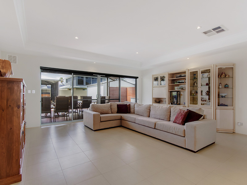 122 Foreshore Drive